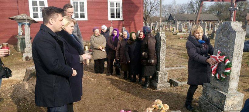 Wizyta naBiałorusi namogiłach ostatnich obrońców Kresów