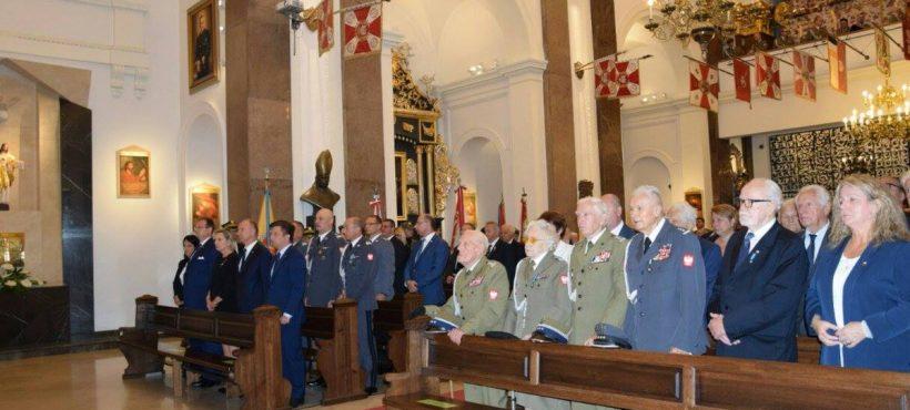 Obchody Dnia Weterana Walk oNiepodległość RP przy Grobie Nieznanego Żołnierza